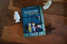 """Spukalarm in der Schokofabrik"" - Mascha Matysiak - Buchkinderblog Halloween, Cover, Books, Art, End Of Summer, Chocolate Factory, Baby Sister, Creepy, Ghosts"