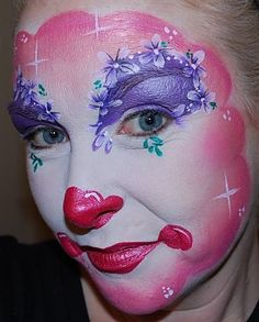 flowery clown.  love the sparkle spots and nose detail.