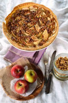Tarte aux pommes et noix caramélisées - Recette maison facile à faire et en vidéo...
