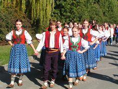 Folk costumes of Valašsko, Czech Republic Tribal Dress, Ethnic Dress, Beautiful Costumes, Beautiful Outfits, International Clothing, Costumes Around The World, Europe Photos, Folk Costume, People Of The World