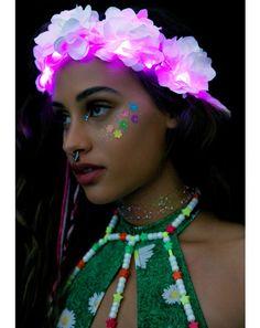 Da ultimate flower crown #DollsKill #JValentine #rose #flower #floral #crown #lightup #glow #pink #EDC