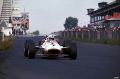 ———- 1967, Deutschland GP, Nürburg, John Surtees ————
