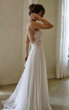 Dream Wedding Dress - Spaghetti straps / Lace / Vintage / Small Train