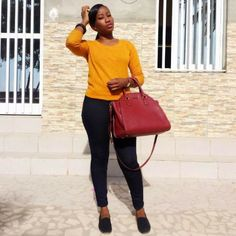 Pretty Nigerian Woman Curses Out Movie Directors Who Saw Her Undies But Didn't Fulfill Their Promises (Photo) http://ift.tt/2iYJLDO