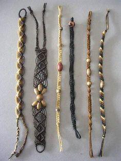 El macramé es una de las técnicas para tejer que menos materiales necesita y más rápido se puede aprender. Para hacer macramé sólo hace falta hilo, una lín