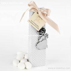 detalles · bautizo · personalizados · detalls · bateig · barcelona · tienda de detalles de bautizo · botiga detalls bateig · personalizados · diseño · recuerdo · detalle · regalo · invitados · llavero · madera · metal · niña · pañales · niño · rosa · azul · bolsa · kraft · papel · peladillas · lazo · nombre · chocolate · chupete · rosa · azul · colores · bolsa · algodón · blanca