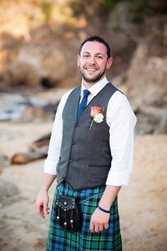 Casual wedding kilt outfit.