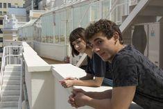 Úrsula Corberó and Miguel Herrán. Shows On Netflix, Netflix Series, Series Movies, Tv Series, Annoying Girlfriend, Denver, Cute Nerd, Vampire Diaries Poster, Backgrounds