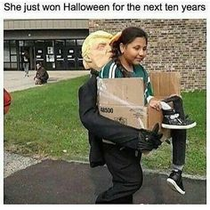 She Just Won Halloween For The Next Ten Years. ~ Memes curates only the best funny online content. The Ultimate cure to boredom with a daily fix of haha, hehe and jaja's. Funny Shit, Funny Pins, Funny Cute, The Funny, Funny Jokes, Funny Stuff, Daily Funny, Baguio, Just For Laughs