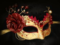 Burgundy Red And Gold Masquerade Mask Venetian Style por SOFFITTA