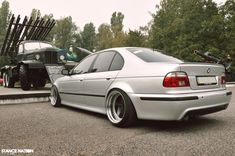 BMW E39 Stanced & Wide!