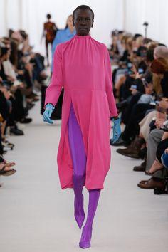 Balenciaga Spring 2017 Ready-to-Wear Fashion Show