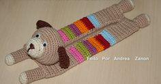 Olá Amiguinhas.....Obrigada pelas visitinhas e pelo Carinho....entre uma encomenda e outra eu fiz esse Estojinho Cachorrinho de Croch...