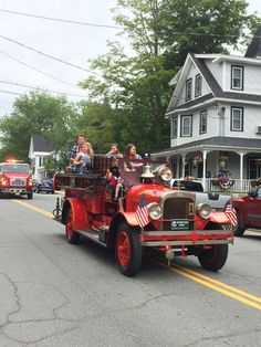 Scenes from the 2015 Lincoln Woodstock New Hampshire July 4th Parade #HistoricNEJuly4