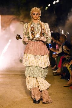 abe6592df82 Gucci Cruise 2019 Runway Review  Gothic Grunge Meets Old Hollywood Glamour