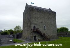 Athenry Castle, County Galway, Ireland. Click on the photo to find out howto build a medieval castle!