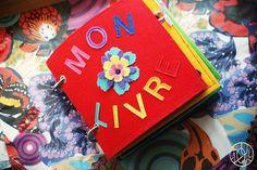 Un livre en tissu pour ses 2 ans - Dans ma petite roulotte...