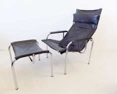 Black Leather Model HE1106 Lounge Chair and Ottoman Set by Hans Eichenberger for Strässle, 1960s for sale at Pamono