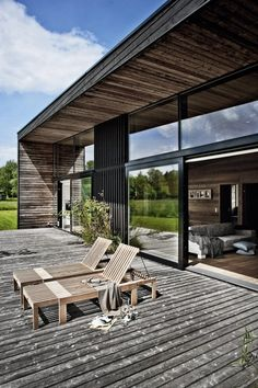 Summerhouse In Denmark By Kim Holst Architect architecture Wooden Summer House, Exterior Cladding, Architectural Elements, Architectural Digest, House In The Woods, Exterior Design, Future House, Decks, Modern Architecture