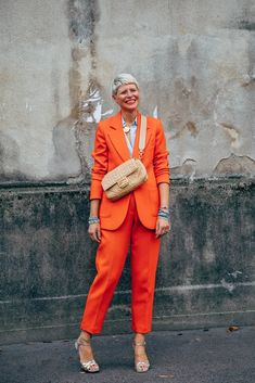 The Best Street Style at Paris Fashion Week Spring 2020 New Street Style, Spring Street Style, Cool Street Fashion, Paris Fashion, Women's Fashion, Elisa Nalin, Orange Color Combinations, Spring Summer Trends, Business Outfits