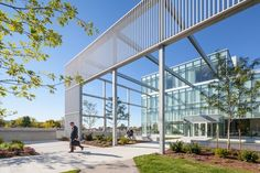 Humber College Student Welcome & Resource Centre / Moriyama & Teshima Architects