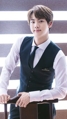 "So Handsome SeokJin si "" Seokjin, Kim Namjoon, Taehyung, Rapper, Foto Bts, Bts Bangtan Boy, Bts Jungkook, Jung Hoseok, K Pop"