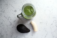 THE CLASSIC GREEN SMOOTHIE - MY TOP 5 SMOOTHIE RECIPES TO MAKE YOUR SKIN GLOW - AnneliBush.com  #Smoothie #SmoothieRecipes