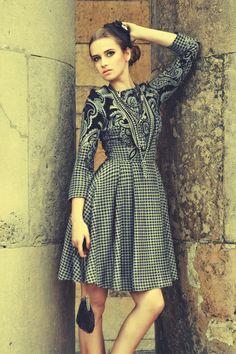 Sukienka ZUZA stalowa pepitka + barok w Livia Clue na DaWanda.com