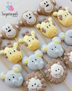 Creative pastry desserts, can give a fresh feeling to the Meringue Cookie Recipe, Meringue Desserts, Cookie Recipes, Cupcake Cookies, Sugar Cookies, Bolo Mickey Baby, Mini Meringues, Meringue Kisses, Cookie Pops