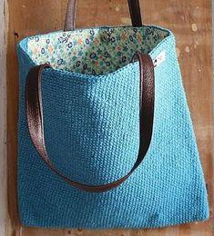 Resultado de imagem para bolsa de crochê com alça de cetim