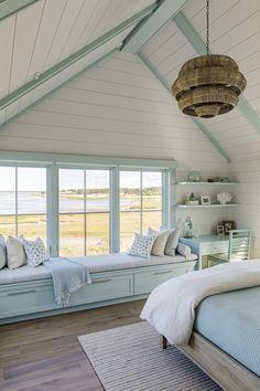 Beautiful Beach Houses, Dream Beach Houses, Beach Cottage Style, Beach House Decor, Beach Cottage Bedrooms, Beach Cottage Exterior, Beach Chic Decor, Lake Cottage, Interior Exterior