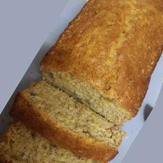 Hierdie piesangbrood resep is die beste resep wat ek baie graag gebruik as ek piesangbrood maak. Die resep is lekker en maklik. Banana Bread Recipes, Cake Recipes, Snack Recipes, Dessert Recipes, Cooking Recipes, Snacks, Milktart Recipe, Kos, Ma Baker