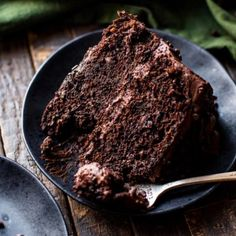 You won't even taste the vegetables in this chocolate zucchini cake! Super rich and moist with milk chocolate fudge frosting, everyone will love it! Chocolate Roll Cake, Chocolate Fudge Frosting, Homemade Chocolate, Chocolate Flavors, Chocolate Recipes, Chocolate Chips, Chocolate Sweets, German Chocolate, Chocolate Cupcakes
