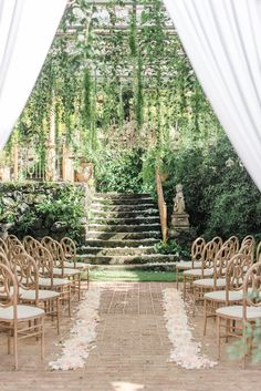 Glamorous Hawaii Wedding at Haiku Mill in Maui is part of Hawaii wedding Say hello to magic in Maui Haiku Mill is just the spot if you& on the hunt for a fairytale destination wedding - Wedding Locations, Wedding Events, Wedding Ceremony, Wedding Ideas, Wedding Planning, Wedding Table, Rustic Wedding, Wedding Inspiration, Outdoor Ceremony