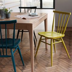 Table à rallonge Romana Ercol - Bois naturel Ercol Dining Chairs, Ercol Chair, Ercol Furniture, Outdoor Dining Furniture, Ikea Chair, Room Chairs, Modern Furniture, Furniture Design, Dining Room