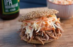 This recipe for pulled pork gives you perfectly tender and super juicy pulled pork meat. Serve with homemade burger buns and coleslaw. Pulled Pork Burger, Pulled Pork Recipes, Perfect Pulled Pork, Homemade Burger Buns, Homemade Coleslaw, Cole Slaw, Afternoon Snacks, I Foods, Yummy Food