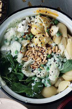 Spaghetti Bolognese, Food Lists, Pasta Salad, Vegan, Ethnic Recipes, Italy, Party, Veggie Food, Vegetarian Recipes