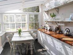 Conservatory / kitchen