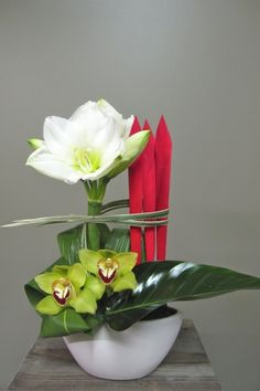 Pour vos envois de fleurs à l'occasion de Noël et Jour de l'An , Fleuriste Abaca offre un service de livraison dans tous les quartiers du Grand Montréal.