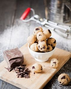 Frozen Chocolate Chip Cookie Dough Balls at chasingdelicious.com. Recipe by @Russell van Kraayenburg.