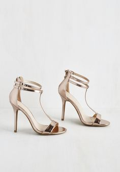 Picking your weddings shoes should be easy, in theory: Assuming your wedding dress is long, not many people are going to notice 'em. Plus, most brides kick off their heels once the DJ turns up...