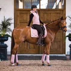 PS of Sweden pink Dressage Equestrian Boots, Equestrian Outfits, Equestrian Style, Cute Horses, Beautiful Horses, Dressage Saddle, Horse Fashion, English Riding, Clothes Horse