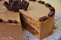 Tort cu spuma espresso si amarettini Chocolate Recipes, Chocolate Cake, Romanian Desserts, Pastry Cake, Something Sweet, Ice Cream Recipes, Cakes And More, Relleno, Just Desserts