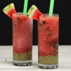 and Kiwi Vodka Smoothie with Boba The perfect summer cocktail! Light refreshing watermelon and kiwi, a splash of vodka, and boba just for fun!The perfect summer cocktail! Light refreshing watermelon and kiwi, a splash of vodka, and boba just for fun! Fruity Drinks, Summer Drinks, Cocktail Drinks, Fun Drinks, Healthy Drinks, Cocktail Recipes, Alcoholic Drinks, Beverages, Boba Recipe