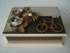 use bike from old sticker box and flower. Decoupage Box, Decoupage Vintage, Painted Boxes, Wooden Boxes, Milk Carton Crafts, Cigar Box Crafts, Altered Cigar Boxes, Paper Mache Boxes, Jar Art