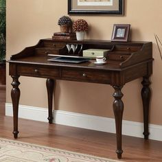 Traditional Writing Desk with 6 Drawers