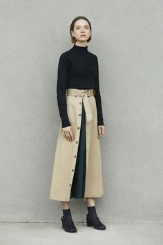 Winter Fashion Outfits, Modest Fashion, Skirt Fashion, Hijab Fashion, Boho Fashion, Womens Fashion, Knitwear Fashion, Fashion Brand, Fashion Design