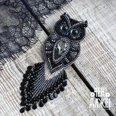 ОЧЕНЬ ДАЖЕ! Броши из бисера. Томск Bead Embroidery Patterns, Bead Embroidery Jewelry, Beaded Embroidery, Beading Patterns, Beaded Jewelry, Beaded Crafts, Jewelry Crafts, Brooches Handmade, Handmade Jewelry
