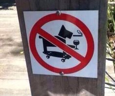 You Had One Job @JustHadOneJob 14 Nov 2016 I don't know who this dog is or why he's banned from this park but he certainly seems like a lot of fun.