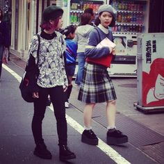 #autumn2013 #fashiontrends are arriving in #harajuku do you like their #frenchberet ?